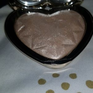 Too faced Love Light blinded by the light